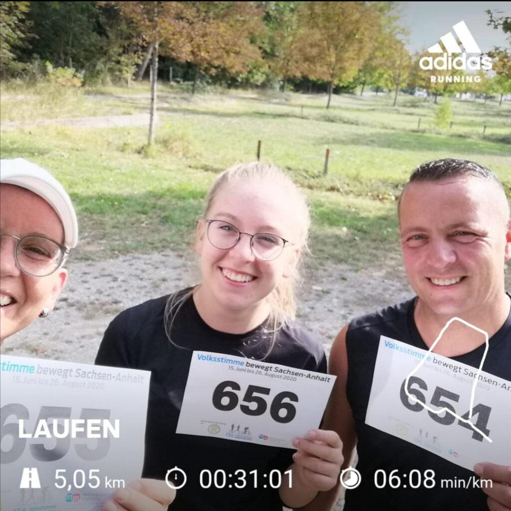 Hallo Volksstimme, haben heute unseren Lauf absolviert. Liebe Grüße von Doreen, Enrico und Lara A. aus Staßfurt.