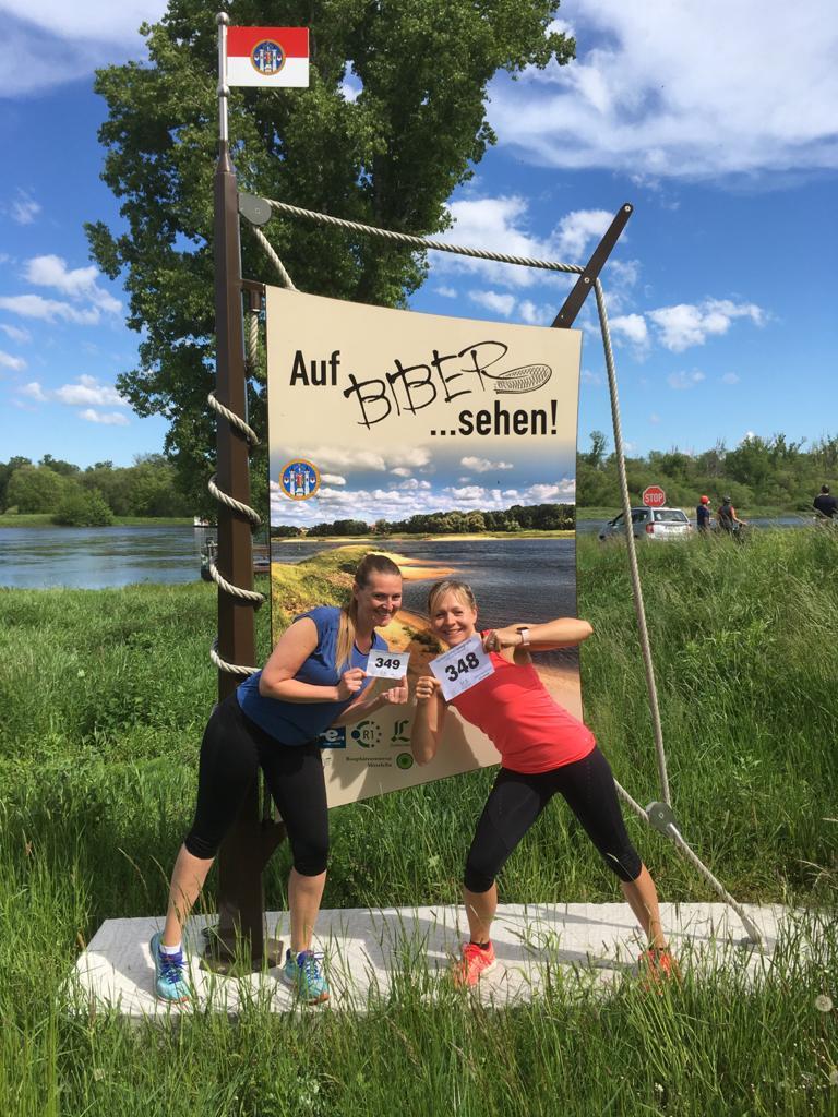 Anbei übersende ich euch ein Foto von mir (Antje O.) und meiner Mitläuferin Daniela D. von unserem 10 km Lauf am 24.05.2021 auf dem Elberadweg von Aken. Vielen Dank, es hat mega Spaß gemacht. LG Antje